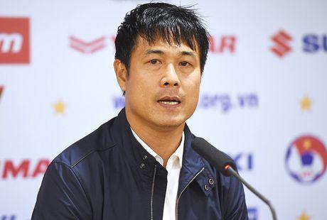 HLV Huu Thang tiet lo bi mat sau tran thang Indonesia - Anh 1