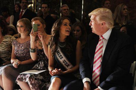 Cuoc doi tan Tong thong My Donald Trump qua anh - Anh 16
