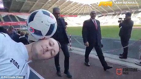 Jose Mourinho 'phu phang' pha hong ky luc can bong bang dau cua CDV Swansea - Anh 1