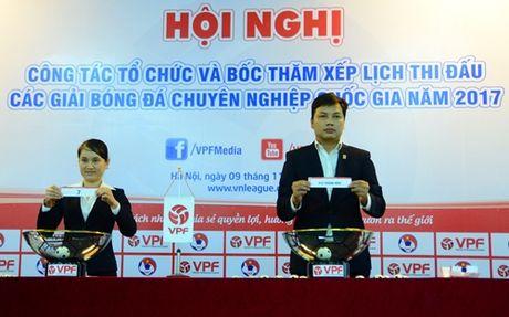 Boc tham V-League 2017: Ngap tran dai chien vong mo man - Anh 1