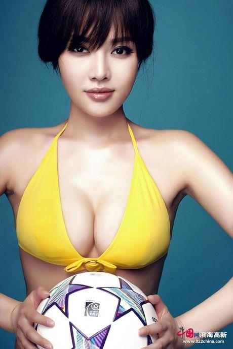 Ve nong bong cua hot girl TQ dinh scandal 'di khach' - Anh 17