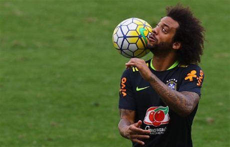 Sao Brazil thi nhau bieu dien ky thuat truoc gio dai chien Argentina - Anh 4
