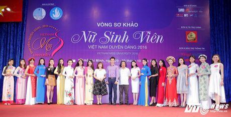Hot girl CD Phat thanh - Truyen hinh khien bao chang trai me man - Anh 2