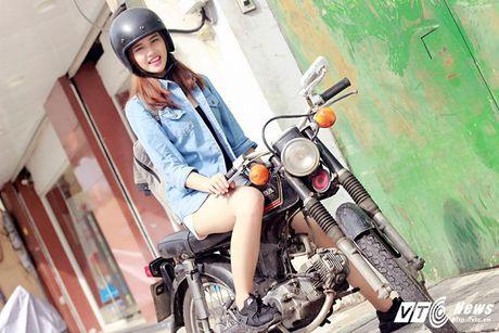 Hot girl CD Phat thanh - Truyen hinh khien bao chang trai me man - Anh 6