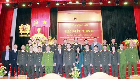 Bo Cong an: Mit-tinh huong ung ngay phap luat - Anh 1