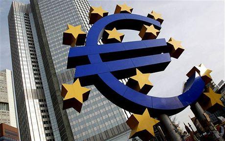 EC ha du bao tang truong kinh te cua Eurozone - Anh 1