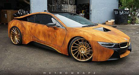 La mat voi chiec BMW i8 do mau gi sat 'cuc doc' - Anh 1