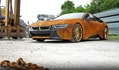 La mat voi chiec BMW i8 do mau gi sat 'cuc doc' - Anh 3