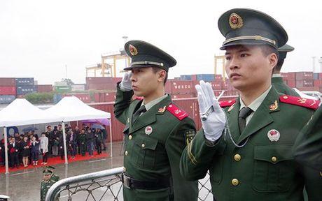 Tau Canh sat bien Trung Quoc tham Viet Nam - Anh 2