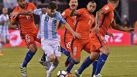 Brazil – Argentina: Canh en Messi & dan sao quanh Neymar - Anh 2
