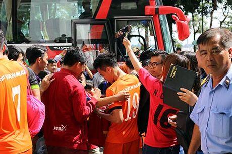 DTVN: Thay tro Huu Thang va mo hoi chong day tram lan - Anh 11