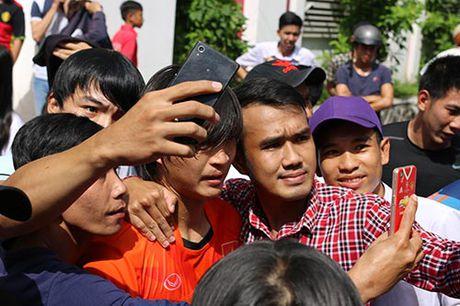 DTVN: Thay tro Huu Thang va mo hoi chong day tram lan - Anh 13