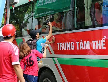 DTVN: Thay tro Huu Thang va mo hoi chong day tram lan - Anh 15