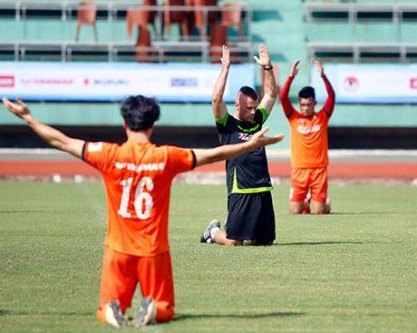 DTVN: Thay tro Huu Thang va mo hoi chong day tram lan - Anh 3