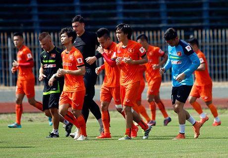 DTVN: Thay tro Huu Thang va mo hoi chong day tram lan - Anh 7