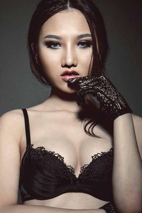 Hoang Thu Thao khoe ve dep nong bong 'van nguoi me' - Anh 1
