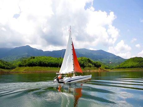 Choang ngop ve dep ho Ta Dung, 'vinh Ha Long cua Tay nguyen' - Anh 4