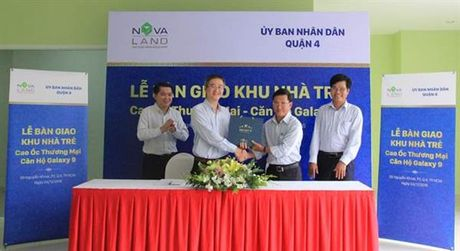 Novaland ban giao khu nha tre cho UBND Quan 4 - Anh 1