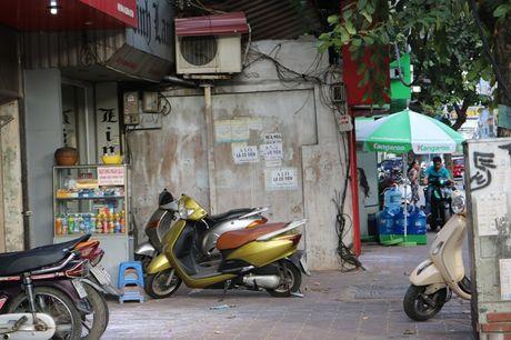 Nhung ngoi nha khong thang hang tren nhieu tuyen pho Ha Noi - Anh 1