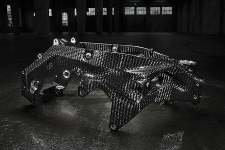 BMW sap tung ra HP4 carbon - Anh 5