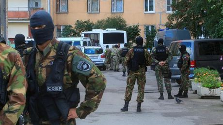 Nga bat giu nhom biet kich cua Ukraine tai Crimea - Anh 1