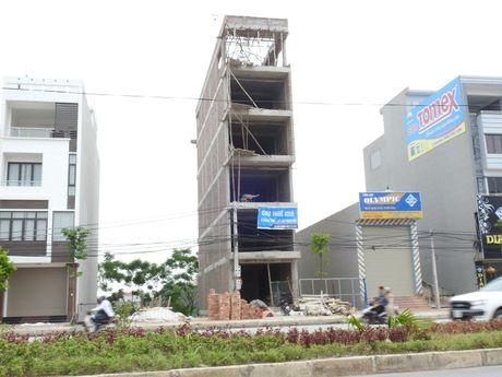 """Phat lo cong trinh xay dung khong phep """"dang khung"""" - Anh 4"""