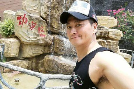 'Trien Chieu' Ha Gia Kinh co bap cuon cuon tuoi 56 - Anh 2