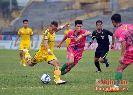 Lich thi dau V-League 2017: SLNA se gap kho - Anh 1