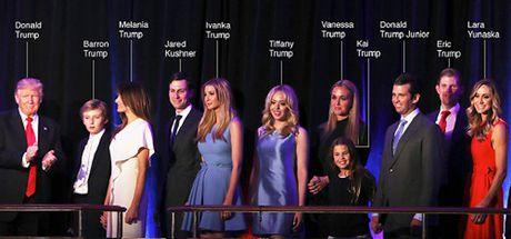 Dai gia dinh Donald Trump trong dem dac cu - Anh 1