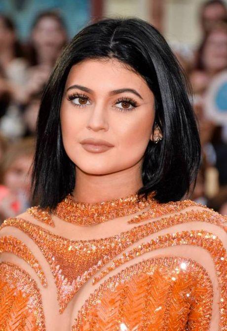Su thay doi guong mat cua Kylie Jenner qua tung thoi ki - Anh 10
