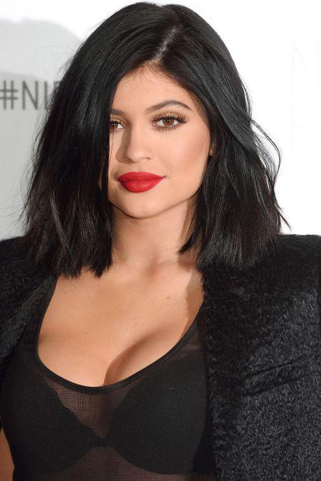 Su thay doi guong mat cua Kylie Jenner qua tung thoi ki - Anh 12