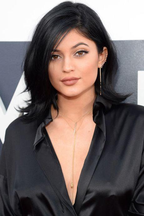 Su thay doi guong mat cua Kylie Jenner qua tung thoi ki - Anh 8