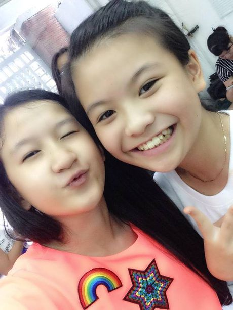 Team 'hot boy - hot girl' quy tu, rang ro chup anh selfie truoc them Live Concert cua Noo Phuoc Thinh - Anh 6