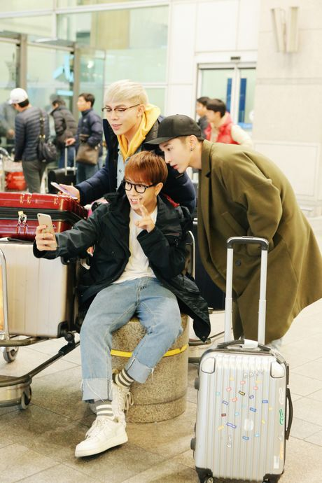 MONSTAR dang yeu tai Han, san sang song ca cung Davichi trong showcase 'Hau Due Mat Troi' - Anh 7