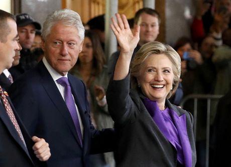 Clinton phat bieu sau that cu: 'Hay mo long voi Donald Trump' - Anh 1