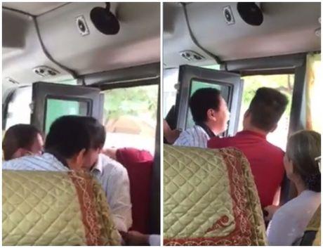 Tai xe nha xe Yen Bai hanh hung khach doc duong bi duoi viec - Anh 2