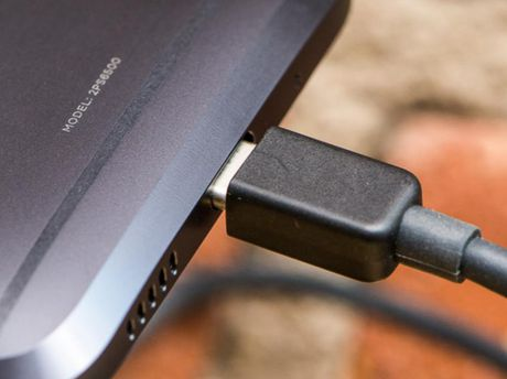 Google co the cam su dung cac loai sac nhanh qua cong USB-C khong dat chuan - Anh 1