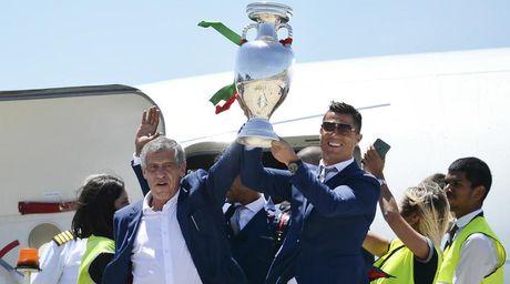 Bo Zidane, Ronaldo chon Fernando Santos la HLV hay nhat - Anh 1