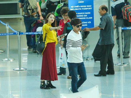 Ho Quang Hieu nam chat tay tien Bao Anh di luu dien - Anh 10