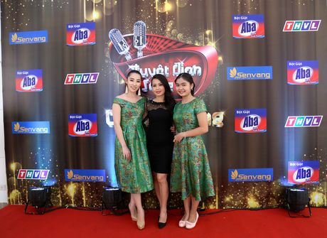 Vo chong Cam Ly - Minh Vy hoi ngo Mr Dam tren ghe nong - Anh 2