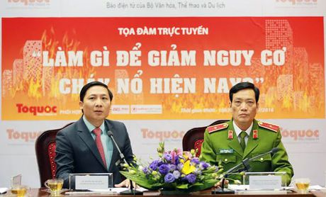 Tuong Manh: Ung cuu nhanh thi 1 gao nuoc la dap duoc chay - Anh 1