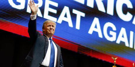 Nguoi phat ngon noi ve viec Donald Trump dac cu - Anh 1