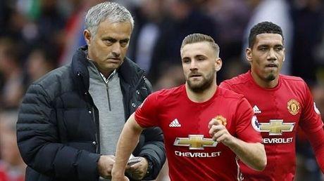 MU: Khi Sir Alex khien Mourinho phat nguong - Anh 3