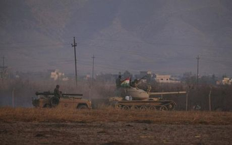 IS bat cuu quan nhan, thuong dan Iraq lam la chan song - Anh 1