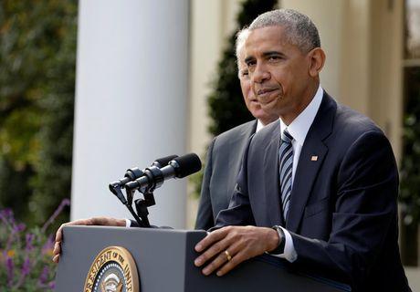 Nhan vien Nha Trang bat khoc khi ong Obama phat bieu sau bau cu - Anh 3