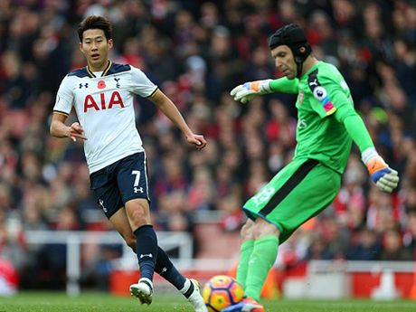 Petr Cech chi ra ly do giup Arsenal vo dich Premier League nam nay - Anh 3