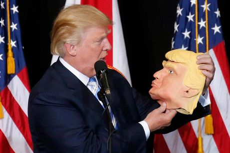 Nhung khoanh khac an tuong trong chien dich tranh cu cua ong Trump - Anh 3