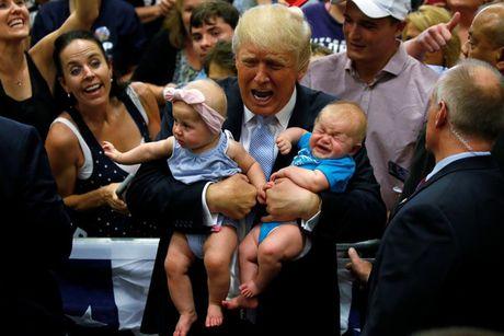 Nhung khoanh khac an tuong trong chien dich tranh cu cua ong Trump - Anh 4