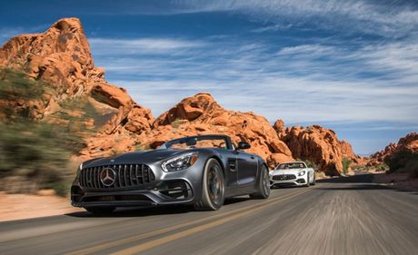Can canh phien ban 2018 cua Mercedes-AMG GT/GT C - Anh 6