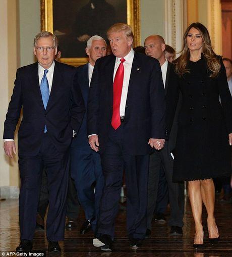 Phu nhan ong Trump lan dau den Nha Trang gap ba Michelle Obama - Anh 2